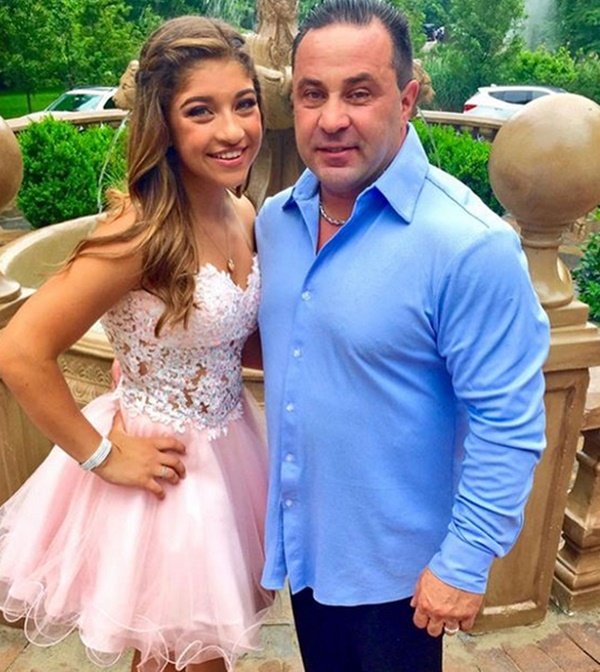 'RHONJ' Star Joe Giudice Reportedly 'Crying Constantly' in ICE
