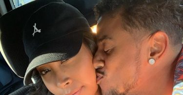 Apryl Jones Posts PDA With Fizz!
