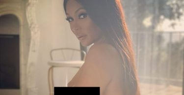 """Lyrica Anderson Goes Full Frontal In """"Act A Fool"""" Video"""