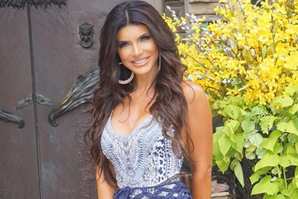 Teresa Giudice Divorce Final; Friends Want Her To Date